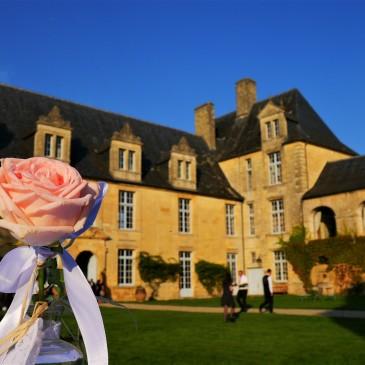 mariage château de sauveboeuf dordogne castellum traiteur rose décoration wedding france mariage périgord